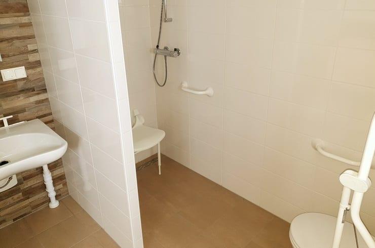 Showroom - Chalet Green Bay